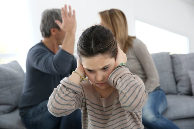 Абьюз родителей: что делать и основные методы борьбы