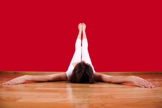 Йога для спины и шеи: комплекс из 6 упражнений