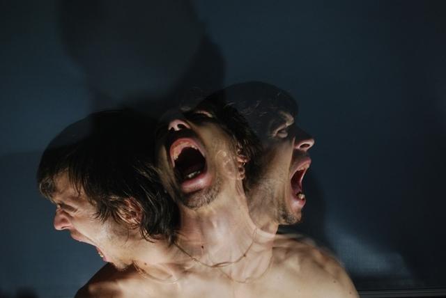 Страх сойти с ума: почему возникает и как проявляется дементофобия?