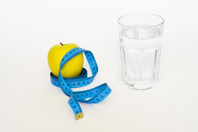 Зачем много пить воды: полезно ли это и можно ли так похудеть?