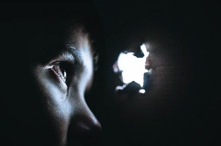 Внушение мыслей на расстоянии: какие методы существуют для их передачи