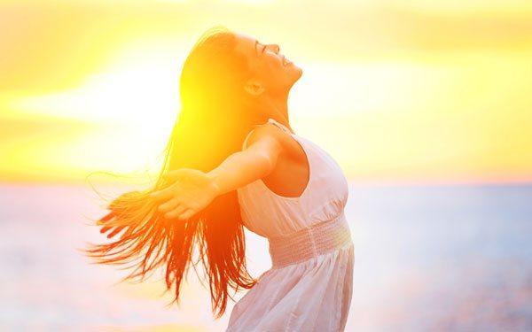 Чем поднять себе настроение: 15 эффективных способов