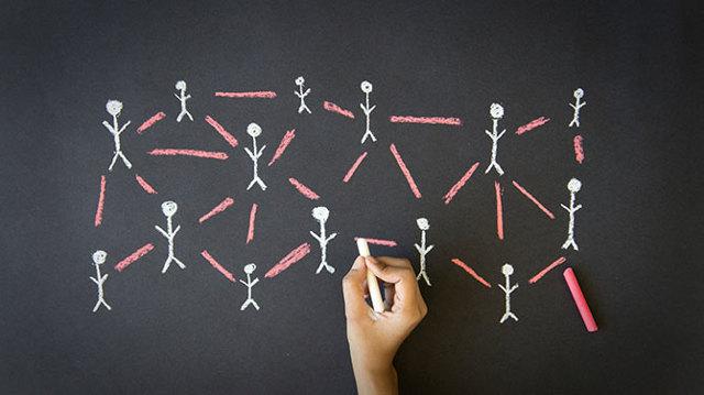 Правило 6 рукопожатий: что это и как работает?