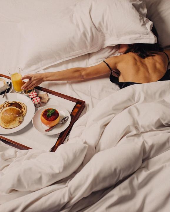 Как проснуться без будильника в нужное время: 4 основных правила